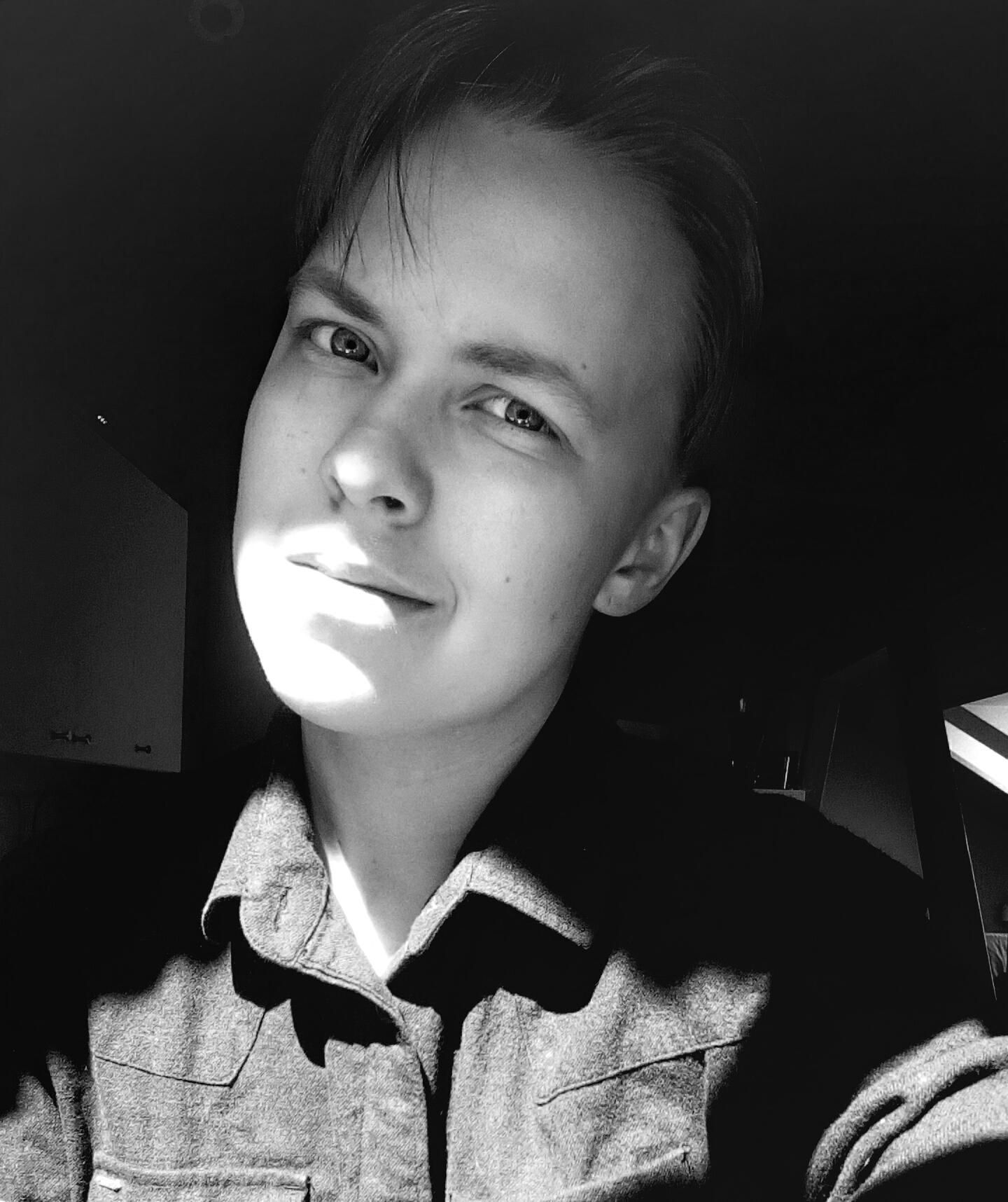 KUURA JANHUNEN, 19, HELSINKI